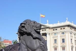 Löwe an der Kolumbussäule in Barcelona