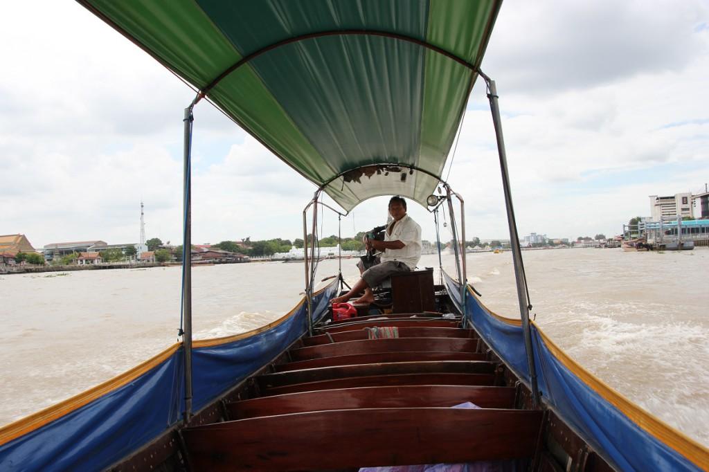 Flussfahrt auf dem Chao Phraya in Bangkok