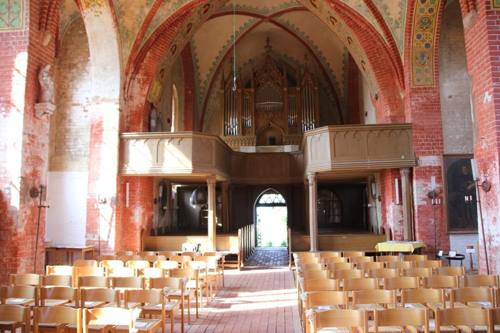 Orgel der Dorfkirche Hohenkirchen in Mecklenburg-Vorpommern westlich von Wismar
