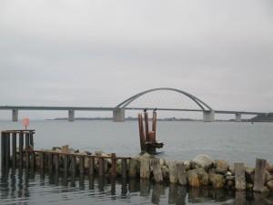 Fehmarnsundbrücke vom Hafen in Großenbrode