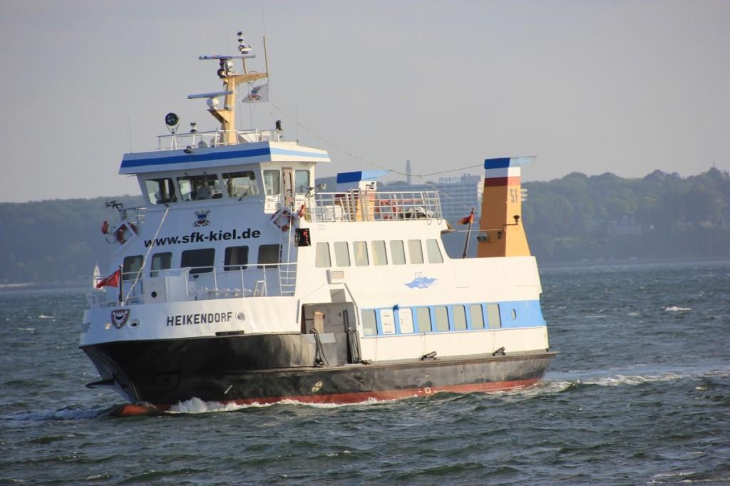 Fördeschiff auf der Kieler Förde
