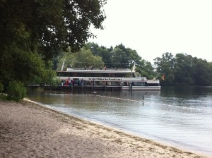 Ausflugsschiff am Plöner See
