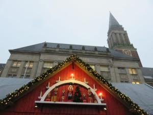 Kieler Weihnachtsdorf & Rathausturm