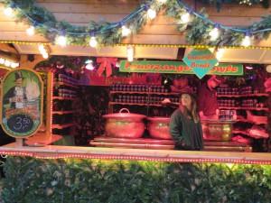 Kieler Weihnachtsmarkt Feuerzangen-Bowle in der Holstenstraße Kiel