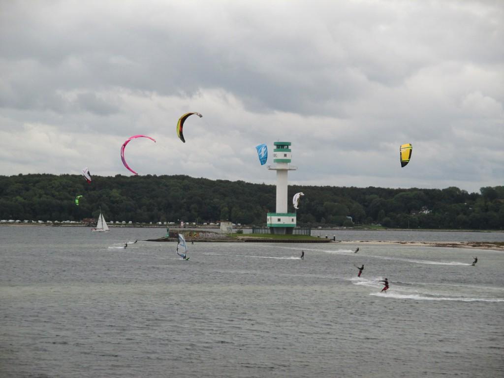 Kitesurfing am Leuchtturm Friedrichsort in Kiel