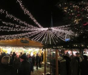 Lübecker Weihnachtsmarkt in der historischen Altstadt