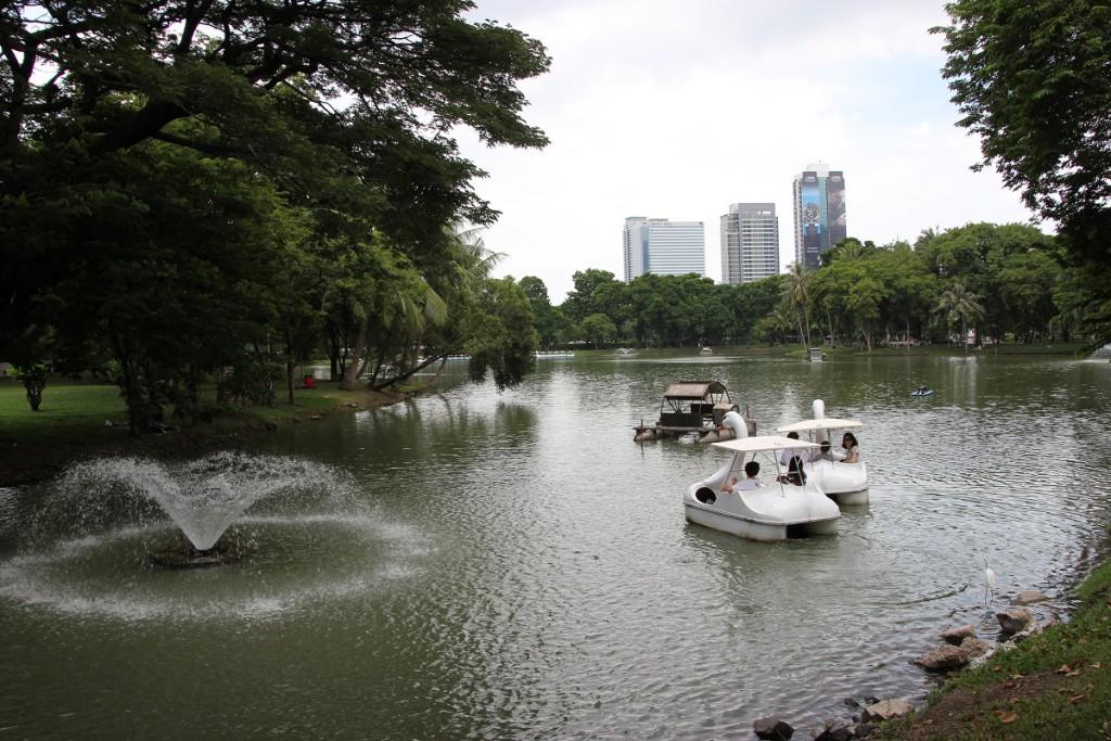 Tretboote im Lumphini-Park Bangkok