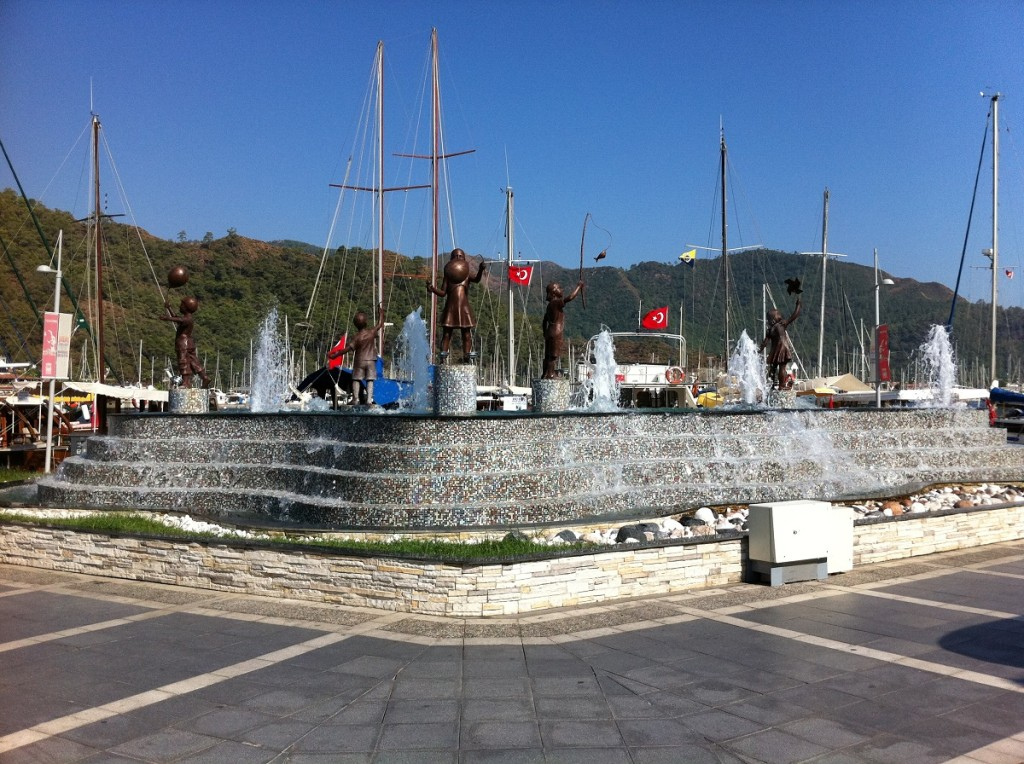 Brunnen in Marmaris am Yachthafen