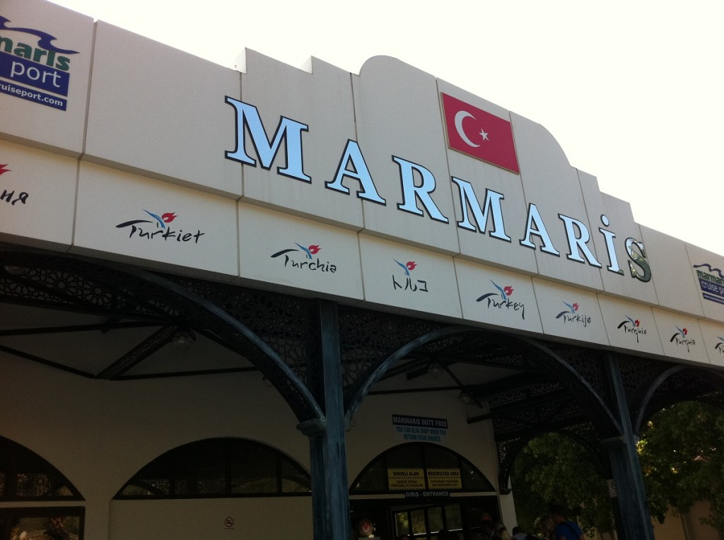 Hafengebäude in Marmaris