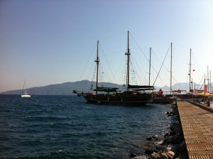 Marmaris Segelboot am Yachthafen
