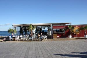 Moma Beach Bar Barcelona am Strand von Barceloneta