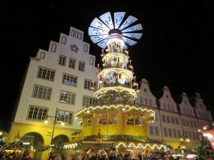 Pyramide auf dem Rostocker Weihnachtsmarkt