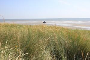 Sylt Ostküste mit Schiff