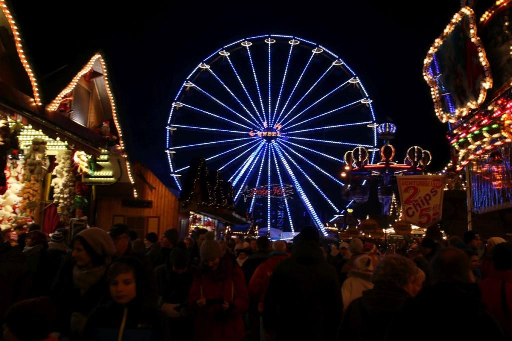Riesenrad Rostocker Weihnachtsmarkt 2016 auf dem Neuen Markt