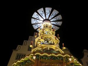 Rostocker Weihnachtsmarkt Riesen Pyramide