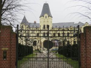 Schloss Lützow Eingangstor