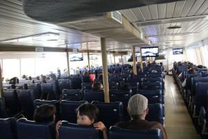 Passagierdeck Schnellfähre Nathon Pier - Donsak Pier