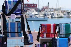 Taschen auf dem Kunsthandwerker-Markt Ostseebad Damp