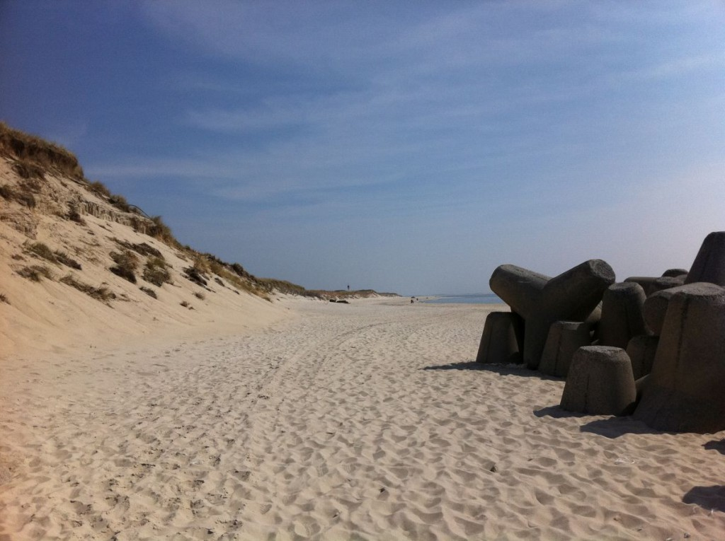 tetrapoden in h rnum auf sylt an der nordsee. Black Bedroom Furniture Sets. Home Design Ideas