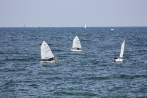 Boote in der Ostsee vor Warnemünde