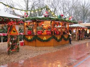 Weihnachtsmarkt Kiel Holstenstraße Glühweinstand