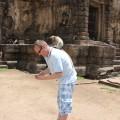 In Lop Buri in Thailand springen Dir die Affen auf den Rücken