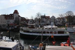 Alter Strom Warnemünde - Käpp´n Brass Hafenrundfahrt
