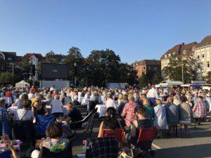 Liveübertragung der Opernpremiere AIDA von Verdi auf dem Blücherplatz Kiel am 24.08.2019