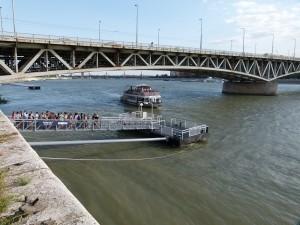 Fähranleger in Budapest an der Donau