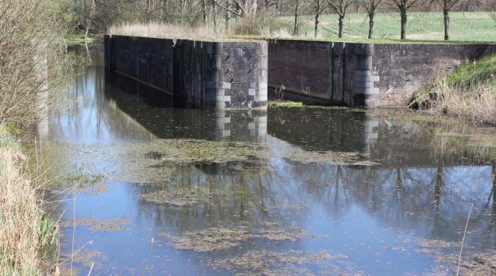 Alter Eiderkanal an der Rathmannsdorfer Schleuse