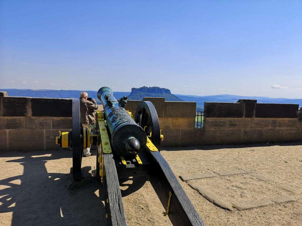 Festung Königstein Kanone an Festungsmauer