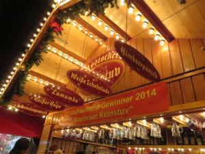 Glühweinstand auf dem Rostocker Weihnachtsmarkt