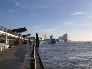 Hamburg Landungsbrücken St. Pauli an der Elbe
