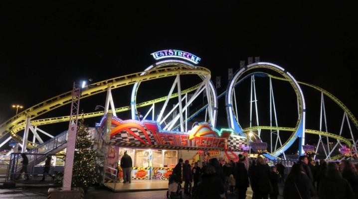 Achterbahn Hamburger Dom - Fahrgeschäft Teststrecke auf dem Hamburger Winterdom