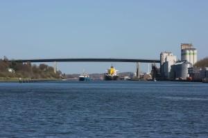 Holtenauer Hochbrücke am Nord-Ostsee-Kanal