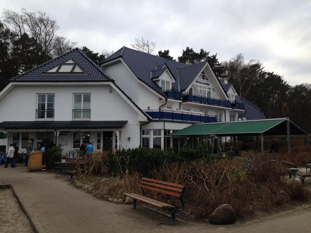 Hotel & Restaurant Wilhelmshöhe - Außenansicht von der Terrasse