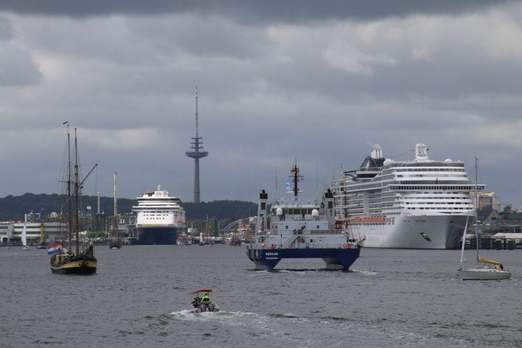Schiffe in der Kieler Förde