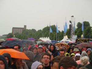 Regen beim Konzert von Lena auf der Kieler Woche 2015, NDR Bühne am 28.06.2015