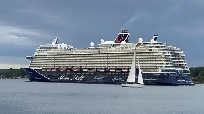 Kreuzfahrtschiff Mein Schiff 1 Tui Cruises