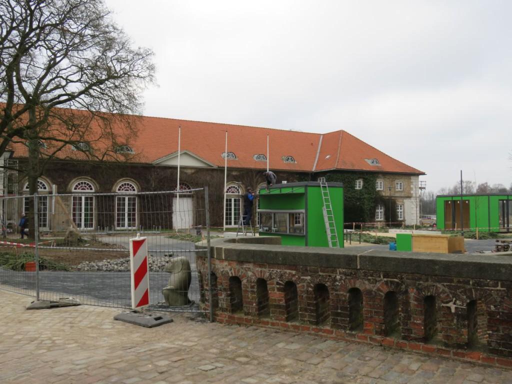 Baustelle am Eutiner Schloss 6 Wochen vor Eröffnung der Landesgartenschau Eutin 2016