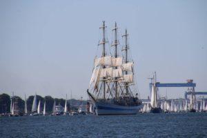 Russisches Segelschiff MIr Windjammerparade Kiel