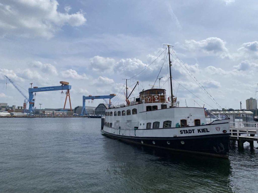 MS Stadt Kiel Salonmotorschiff
