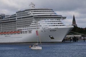 MSC Preziosa Kreuzfahrtschiff in Kiel