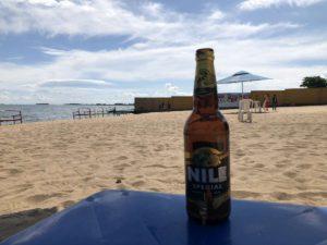 Nile Special Bier am Victoriasee in Uganda