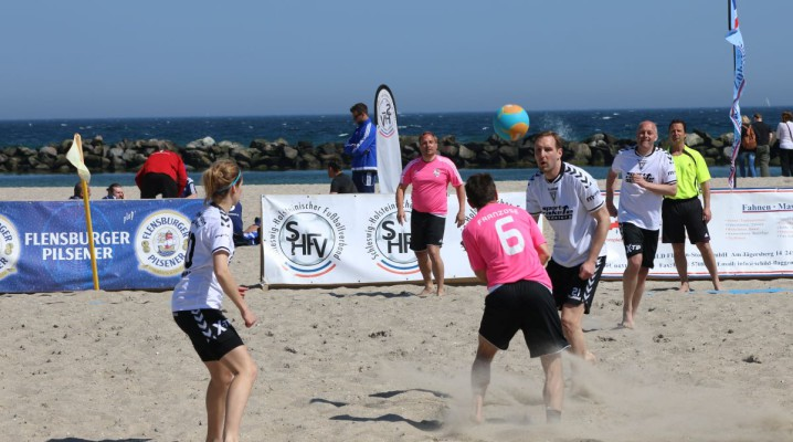Beach Soccer Tunier Damp