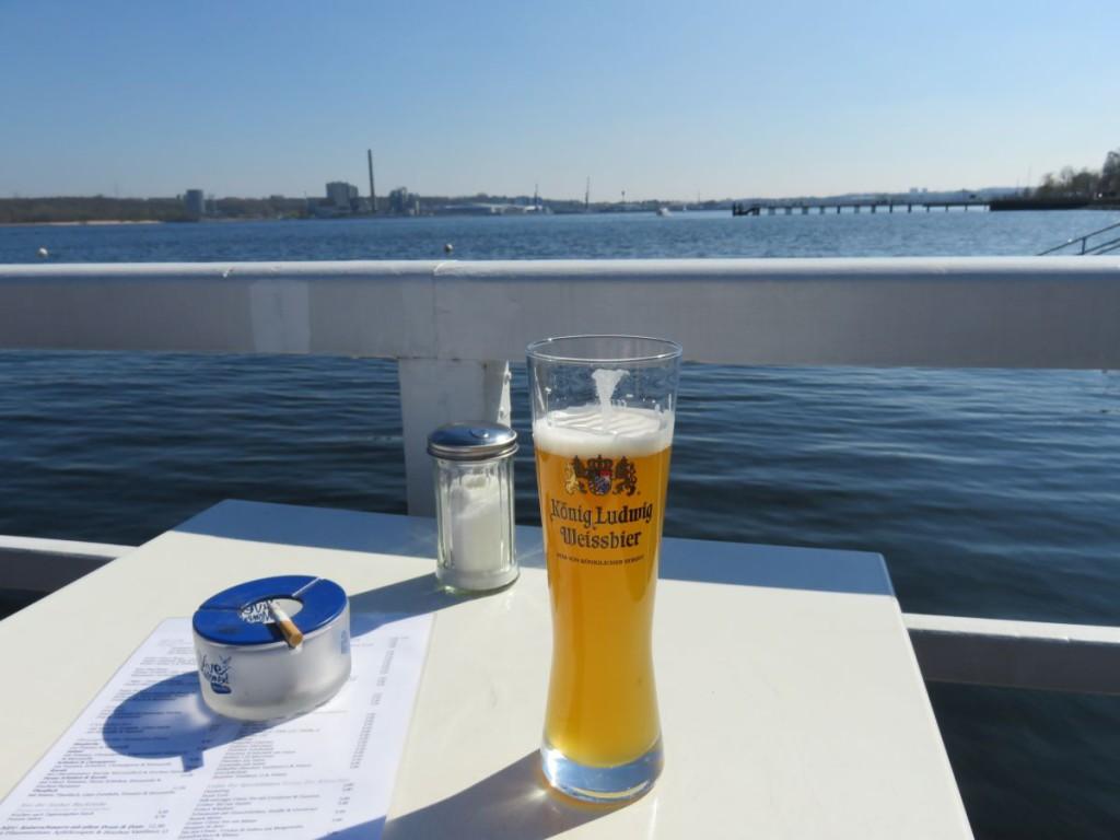 Seebar Kiel - König Ludwig Weissbier an der Kieler Förde
