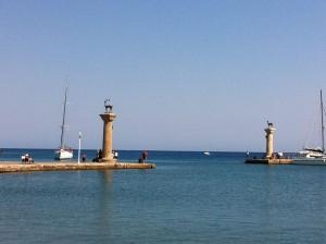 Hirsch & Hirschkuh Elafos & Elafina auf Rhodos am Mandraki Hafen
