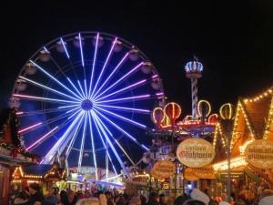 Rostocker Weihnachtsmarkt 2017 - Riesenrad auf dem Neuen Markt
