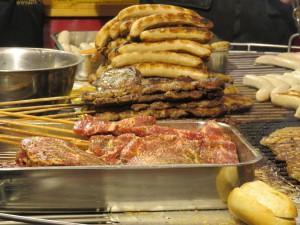 Rostocker Weihnachtsmarkt Bratwurst & Fleisch