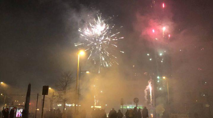Silvester Feuerwerk Kiel 2019 / 2020 Holtenauer Straße in der Silvesternacht